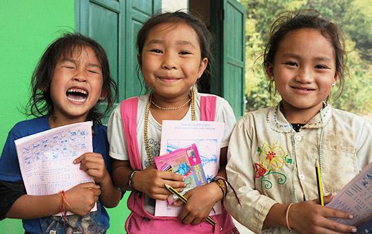 ラオスの子どもたち 学校建設・学習環境改善・奨学金制度などの教育支援